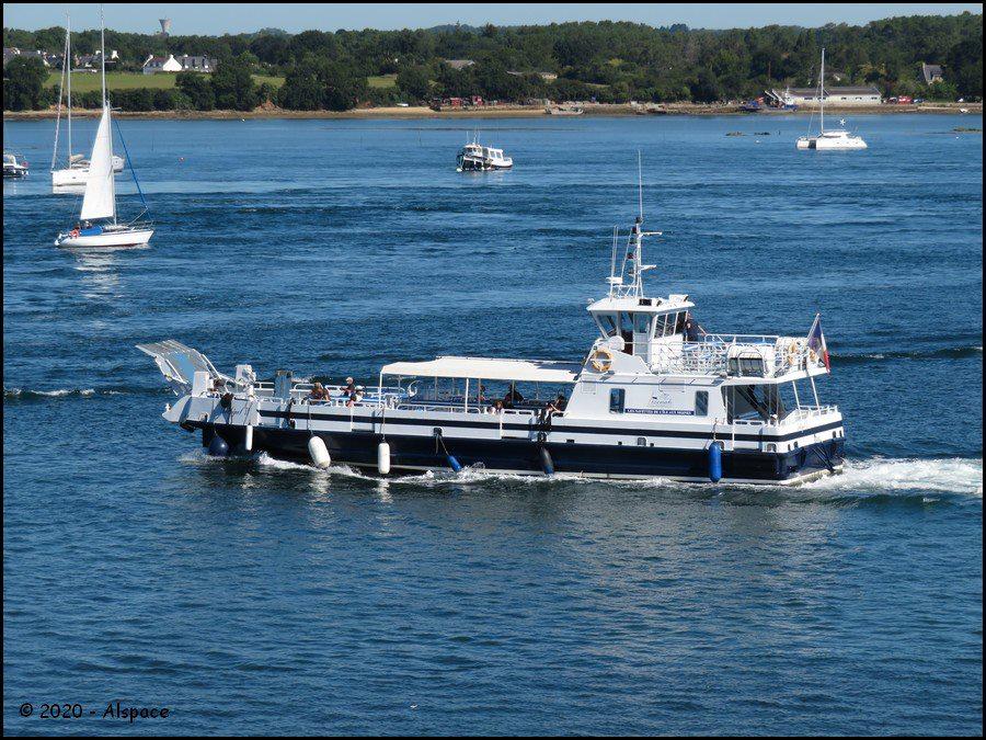 Navires de dessertes ou à passagers, bretons - Page 8 Y4m9Q5nvbu2S1VTTgmzXKWhzBwIVYYutpFnN0yubPIWnztXGkCcxdtalrKLlIhdbDHCYiSmQaNFF8wbovLxaoqvbstnMCt6aN1cWGAcW1msRE6PijiztD3IwyrfVHsi63iSozEk4wozldMJ5W19y9jjR6-L57bZt3WB90EWc8bteKhdTemLCAUzcgINuPAf2KDaG77i_RLJATME-c_fqOUm4g?width=900&height=675&cropmode=none